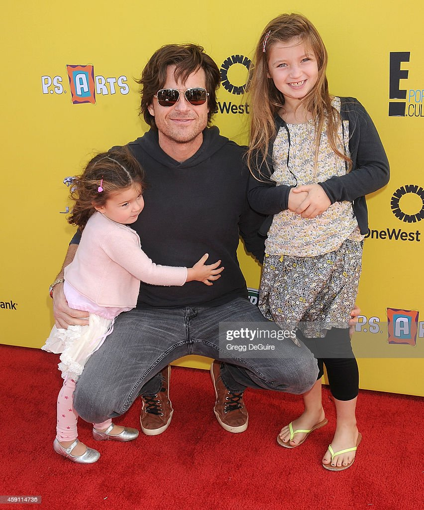 Actor <a gi-track='captionPersonalityLinkClicked' href=/galleries/search?phrase=Jason+Bateman&family=editorial&specificpeople=204774 ng-click='$event.stopPropagation()'>Jason Bateman</a> and children arrive at the P.S. ARTS Express Yourself 2014 at The Barker Hanger on November 16, 2014 in Santa Monica, California.