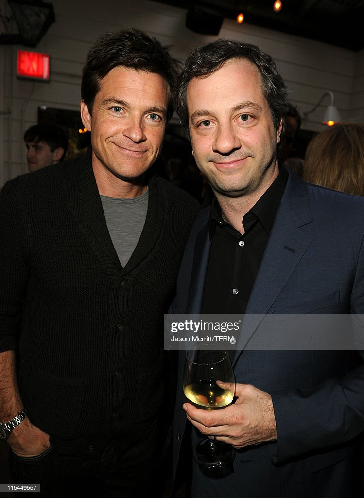 Actor <a gi-track='captionPersonalityLinkClicked' href=/galleries/search?phrase=Jason+Bateman&family=editorial&specificpeople=204774 ng-click='$event.stopPropagation()'>Jason Bateman</a> (L) and Director/Producer <a gi-track='captionPersonalityLinkClicked' href=/galleries/search?phrase=Judd+Apatow&family=editorial&specificpeople=854225 ng-click='$event.stopPropagation()'>Judd Apatow</a> attend the Details Magazine/Ryan Reynolds Party at Dominick's Restaurant on June 6, 2011 in Los Angeles, California.