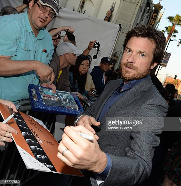 Actor Jason Bateman arrives at the Los Angeles Premiere of Season 4 of Netflix's 'Arrested Development' at the TCL Chinese Theatre on April 29 2013...