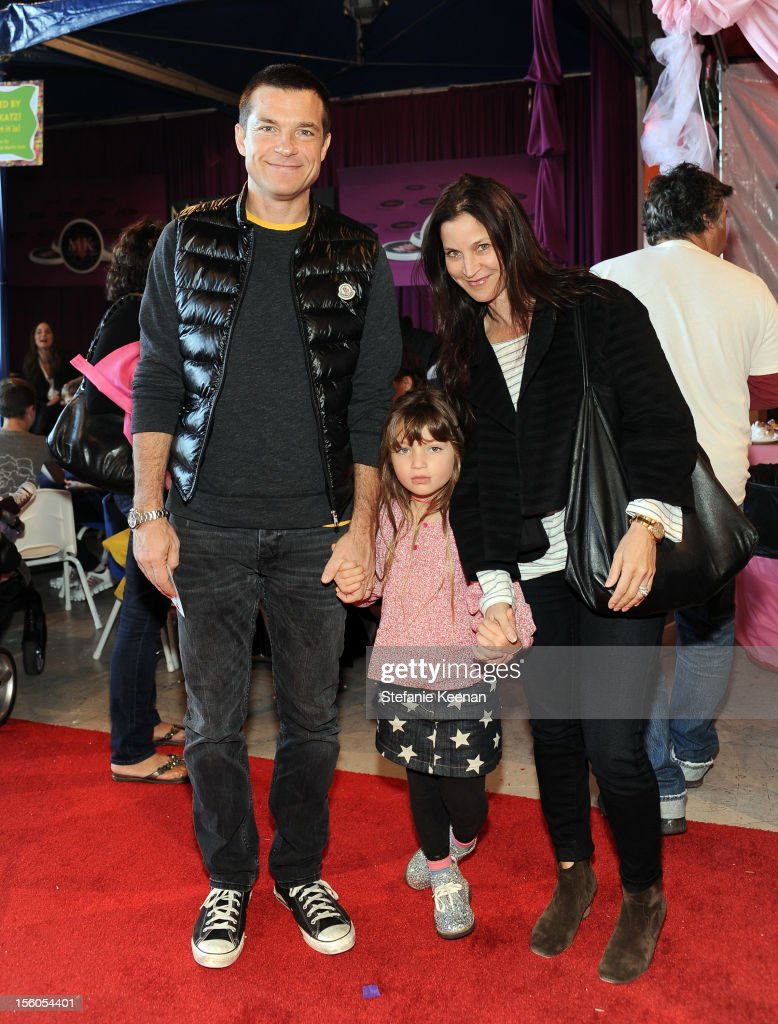 Actor <a gi-track='captionPersonalityLinkClicked' href=/galleries/search?phrase=Jason+Bateman&family=editorial&specificpeople=204774 ng-click='$event.stopPropagation()'>Jason Bateman</a>, daughter Francesca, and wife <a gi-track='captionPersonalityLinkClicked' href=/galleries/search?phrase=Amanda+Anka&family=editorial&specificpeople=2465465 ng-click='$event.stopPropagation()'>Amanda Anka</a> attend the creative arts fair and family day 'Express Yourself', supporting P.S. ARTS, at Barker Hangar on November 11, 2012 in Santa Monica, California.