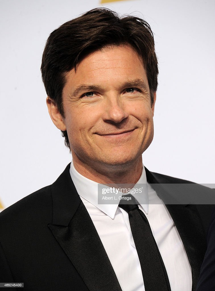 Actor <a gi-track='captionPersonalityLinkClicked' href=/galleries/search?phrase=Jason+Bateman&family=editorial&specificpeople=204774 ng-click='$event.stopPropagation()'>Jason Bateman</a> poses inside the press room of the 87th Annual Academy Awards held at Loews Hollywood Hotel on February 22, 2015 in Hollywood, California.