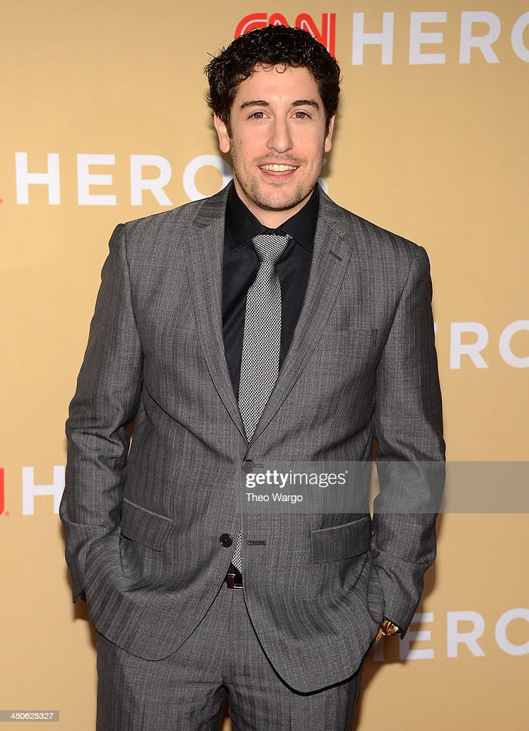 Actor <a gi-track='captionPersonalityLinkClicked' href=/galleries/search?phrase=Jason+Biggs+-+Actor&family=editorial&specificpeople=210701 ng-click='$event.stopPropagation()'>Jason Biggs</a> attends 2013 CNN Heroes: An All Star Tribute at The American Museum of Natural History on November 19, 2013 in New York City. 24079_013_0193.JPG