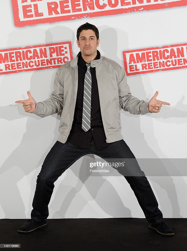 Actor <a gi-track='captionPersonalityLinkClicked' href=/galleries/search?phrase=Jason+Biggs+-+Actor&family=editorial&specificpeople=210701 ng-click='$event.stopPropagation()'>Jason Biggs</a> attends a photocall for 'American Pie: Reunion' (American Pie: El Reencuentro) at the Villamagna Hotel on April 19, 2012 in Madrid, Spain.