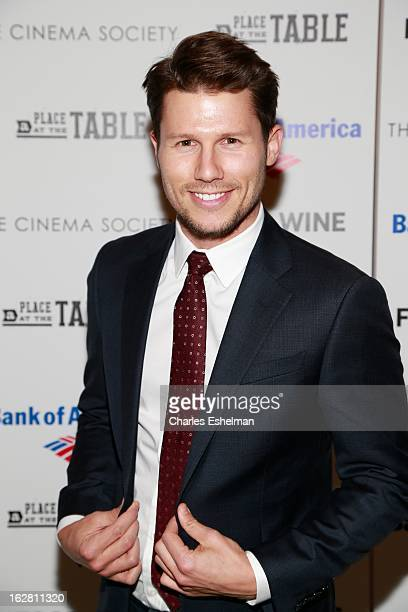 Actor Jason Dundas arrives at Bank of America and Food Wine with The Cinema Society present a screening of 'A Place at the Table' at the Celeste...