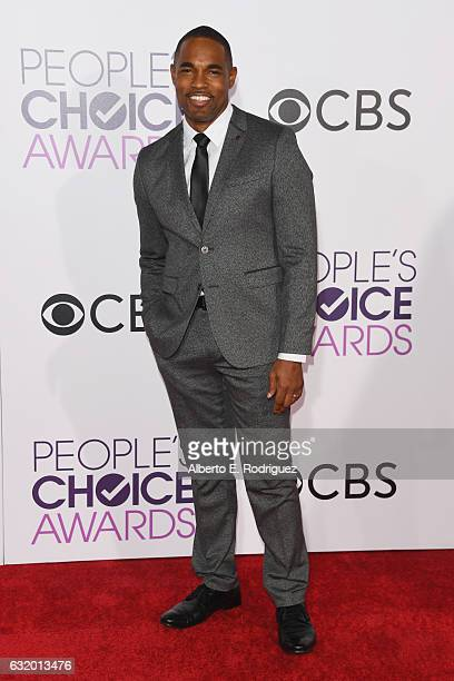 Actor Jason George attends the People's Choice Awards 2017 at Microsoft Theater on January 18 2017 in Los Angeles California