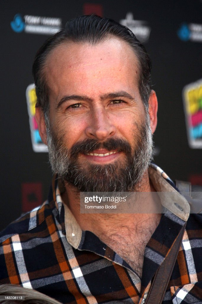 Actor <a gi-track='captionPersonalityLinkClicked' href=/galleries/search?phrase=Jason+Lee+-+Actor&family=editorial&specificpeople=11645542 ng-click='$event.stopPropagation()'>Jason Lee</a> attends the 10th annual Tony Hawk's Stand Up For Skateparks celebrity charity event on October 5, 2013 in Beverly Hills, California.