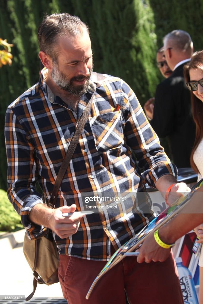 Actor Jason Lee attends the 10th annual Tony Hawk's Stand Up For Skateparks celebrity charity event on October 5, 2013 in Beverly Hills, California.