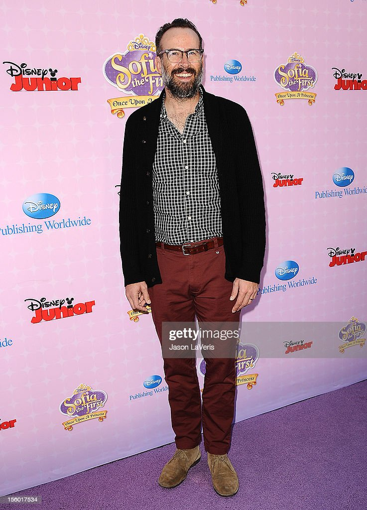 Actor Jason Lee attends the premiere of 'Sofia The First: Once Upon a Princess' at Walt Disney Studios on November 10, 2012 in Burbank, California.