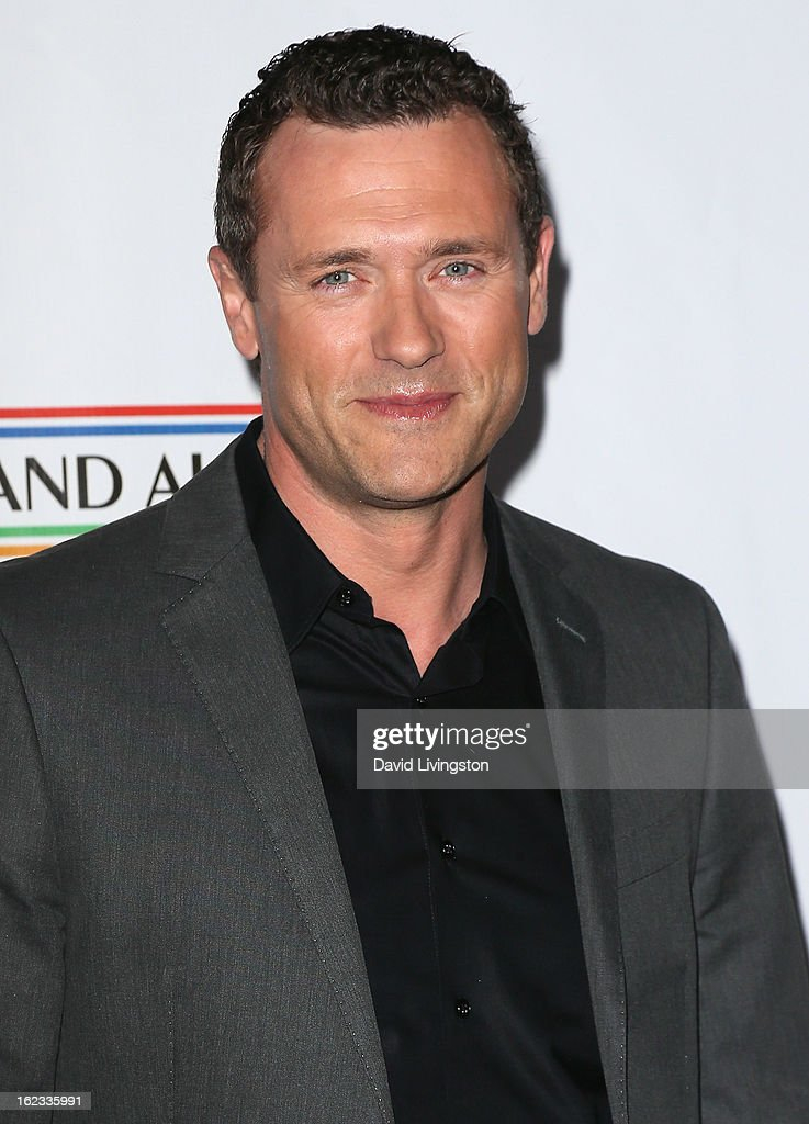 Actor <a gi-track='captionPersonalityLinkClicked' href=/galleries/search?phrase=Jason+O%27Mara&family=editorial&specificpeople=742824 ng-click='$event.stopPropagation()'>Jason O'Mara</a> attends the 8th Annual 'Oscar Wilde: Honoring The Irish In Film' Pre-Academy Awards Event at Bad Robot on February 21, 2013 in Santa Monica, California.