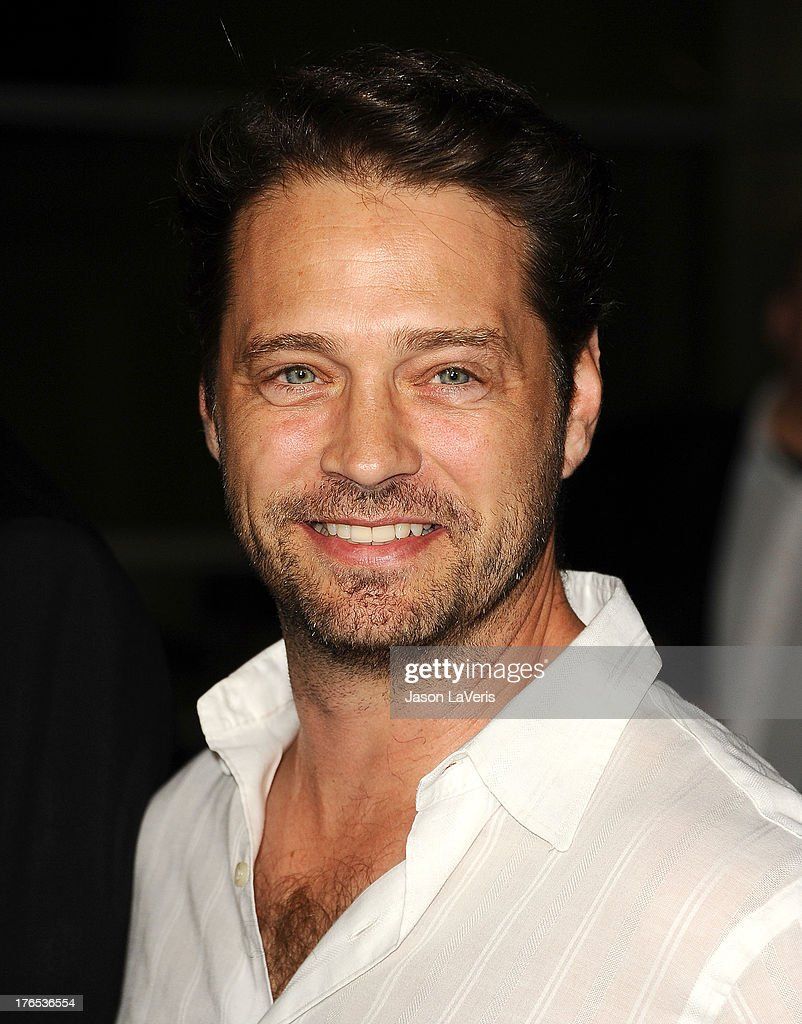 Actor <a gi-track='captionPersonalityLinkClicked' href=/galleries/search?phrase=Jason+Priestley&family=editorial&specificpeople=208687 ng-click='$event.stopPropagation()'>Jason Priestley</a> attends the premiere of 'Dark Tourist' at ArcLight Hollywood on August 14, 2013 in Hollywood, California.