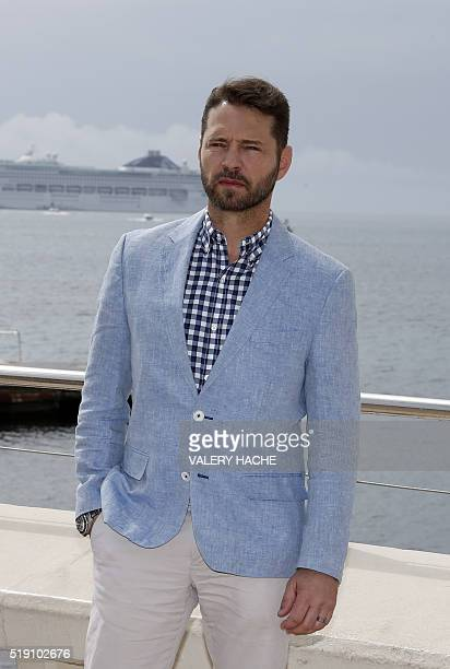 US actor Jason Priestley poses for a photocall for a TV serie 'Private Eyes' during the MIPTV on April 4 2016 in Cannes French Riviera / AFP / VALERY...