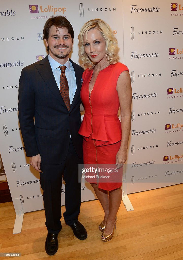 Actor Jason Ritter (L) and actress Jennie Garth attend the Faconnable Kicks Off The Holidays Shopping Event Benefitting Lollipop Theater Network at Faconnable on November 13, 2012 in Beverly Hills, California.