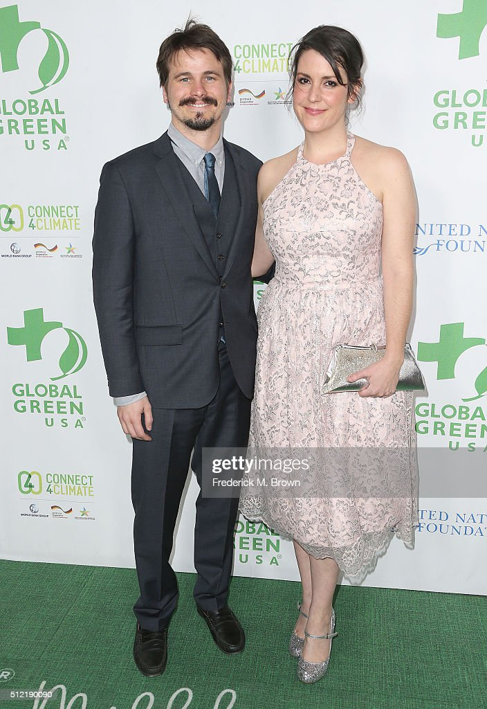 Actor Jason Ritter (L) and actress Melanie Lynskey attend the Global Green USA's 13th Annual Pre-Oscar Party at the Mr. C Beverly Hills Hotel on February 24, 2016 in Beverly Hills, California.