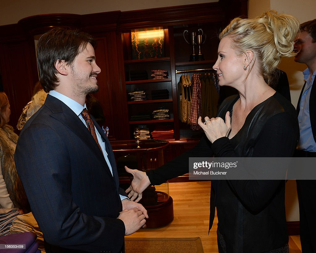Actor Jason Ritter (L) and actress Monica Potter attend the Faconnable Kicks Off The Holidays Shopping Event Benefitting Lollipop Theater Network at Faconnable on November 13, 2012 in Beverly Hills, California.