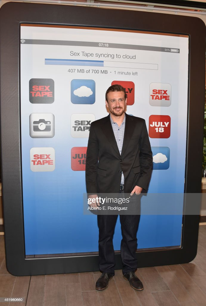 Actor <a gi-track='captionPersonalityLinkClicked' href=/galleries/search?phrase=Jason+Segel&family=editorial&specificpeople=2220388 ng-click='$event.stopPropagation()'>Jason Segel</a> attends a photocall for Columbia Pictures' 'Sex Tape' at The Four Seasons Hotel Los Angeles at Beverly Hills on July 10, 2014 in Beverly Hills, California.