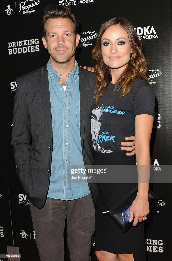 Actor <a gi-track='captionPersonalityLinkClicked' href=/galleries/search?phrase=Jason+Sudeikis&family=editorial&specificpeople=4232997 ng-click='$event.stopPropagation()'>Jason Sudeikis</a> and fiance actress <a gi-track='captionPersonalityLinkClicked' href=/galleries/search?phrase=Olivia+Wilde&family=editorial&specificpeople=235399 ng-click='$event.stopPropagation()'>Olivia Wilde</a> arrive at the Los Angeles Premiere 'Drinking Buddies' at ArcLight Hollywood on August 15, 2013 in Hollywood, California.