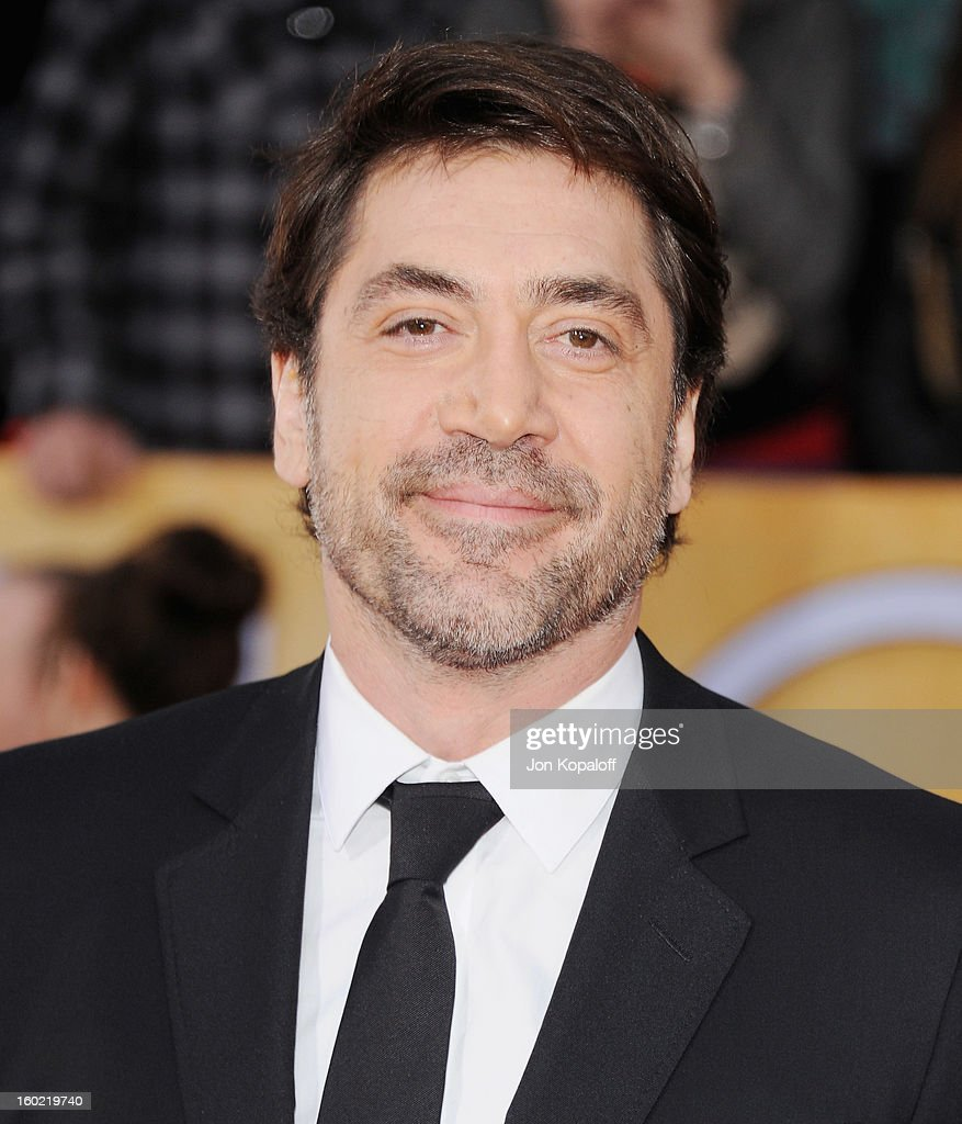 Actor <a gi-track='captionPersonalityLinkClicked' href=/galleries/search?phrase=Javier+Bardem&family=editorial&specificpeople=209334 ng-click='$event.stopPropagation()'>Javier Bardem</a> arrives at the 19th Annual Screen Actors Guild Awards at The Shrine Auditorium on January 27, 2013 in Los Angeles, California.