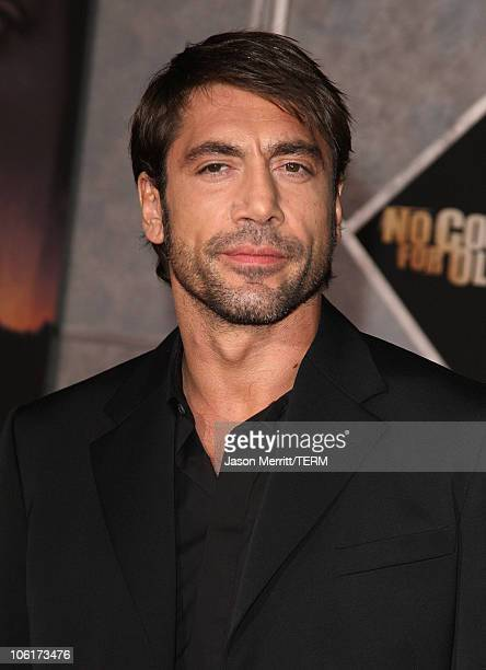 Actor Javier Bardem arrives at the premiere of Miramax Films' 'No Country For Old Men' held at the El Capitan Theater on November 4 2007 in Hollywood...