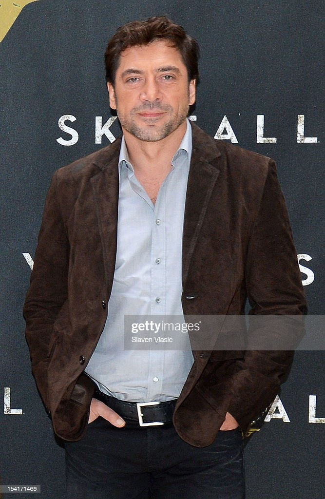 Actor <a gi-track='captionPersonalityLinkClicked' href=/galleries/search?phrase=Javier+Bardem&family=editorial&specificpeople=209334 ng-click='$event.stopPropagation()'>Javier Bardem</a> attends 'Skyfall' Cast Photo Call at Crosby Street Hotel on October 15, 2012 in New York City.