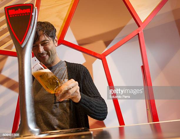 Actor Javier Rey attends a pint pulling masterclass at La Latina space on February 10 2016 in Madrid Spain