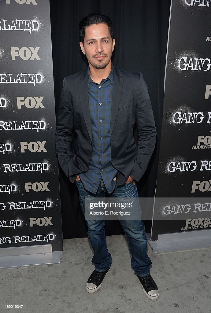 Actor <a gi-track='captionPersonalityLinkClicked' href=/galleries/search?phrase=Jay+Hernandez&family=editorial&specificpeople=646150 ng-click='$event.stopPropagation()'>Jay Hernandez</a> arrives to the premiere of Fox's 'Gang Releted' at Homeboy Industries on April 21, 2014 in Los Angeles, California.