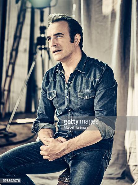 Jean dujardin self assignment june 2016 photos and for Jean dujardin 2016