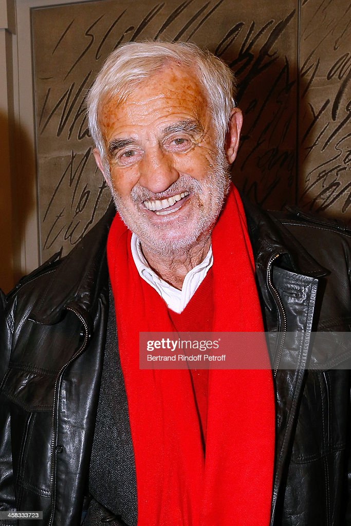 Actor <a gi-track='captionPersonalityLinkClicked' href=/galleries/search?phrase=Jean-Paul+Belmondo&family=editorial&specificpeople=207029 ng-click='$event.stopPropagation()'>Jean-Paul Belmondo</a> poses backstage following the show of impersonator Laurent Gerra 'Un spectacle Normal' at L'Olympia on December 20, 2013 in Paris, France.