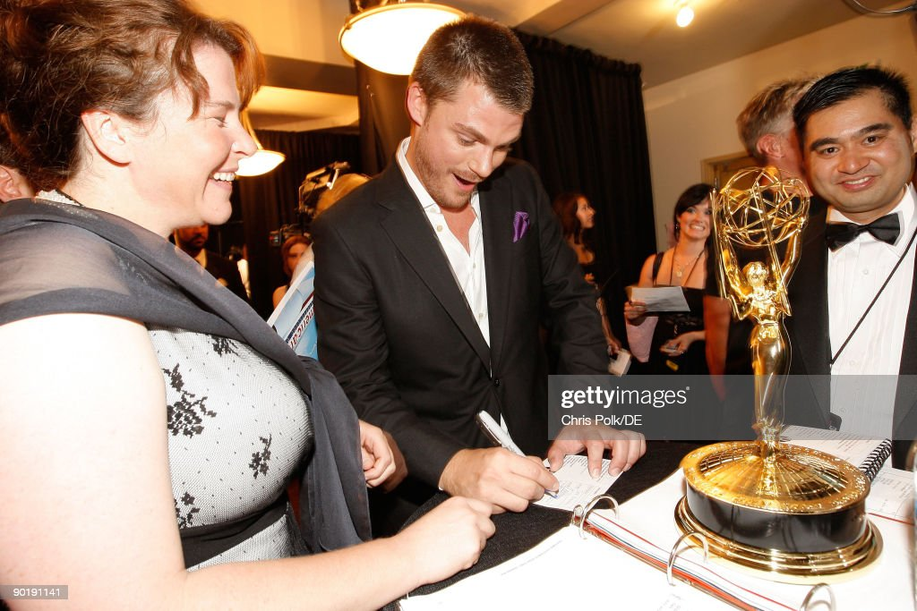 Actor Jeff Branson (C), winner of the Emmy for Outstanding Supporting Actor in a Drama Series, attends the 36th Annual Daytime Emmy Awards at The Orpheum Theatre on August 30, 2009 in Los Angeles, California.