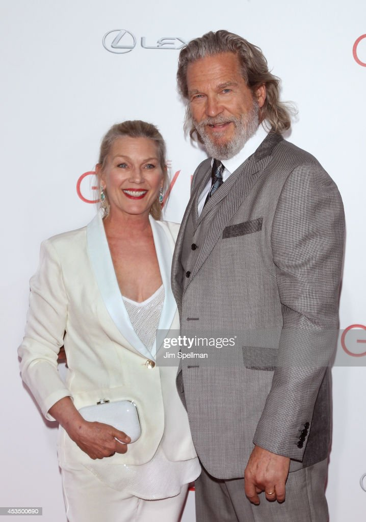 Actor <a gi-track='captionPersonalityLinkClicked' href=/galleries/search?phrase=Jeff+Bridges&family=editorial&specificpeople=201735 ng-click='$event.stopPropagation()'>Jeff Bridges</a> (R) and wife <a gi-track='captionPersonalityLinkClicked' href=/galleries/search?phrase=Susan+Geston&family=editorial&specificpeople=1684343 ng-click='$event.stopPropagation()'>Susan Geston</a> attend 'The Giver' premiere at Ziegfeld Theater on August 11, 2014 in New York City.