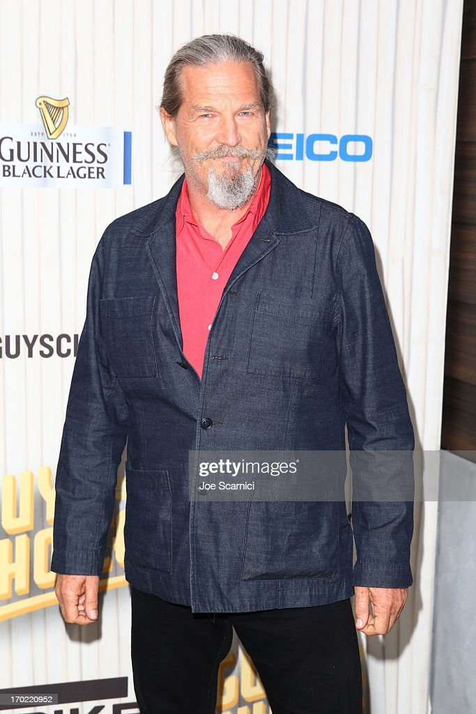 Actor <a gi-track='captionPersonalityLinkClicked' href=/galleries/search?phrase=Jeff+Bridges&family=editorial&specificpeople=201735 ng-click='$event.stopPropagation()'>Jeff Bridges</a> arrives at the 2013 Spike TV 'Guys Choice' at Sony Pictures Studios on June 8, 2013 in Culver City, California.