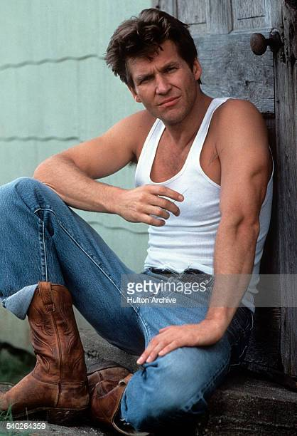 Actor Jeff Bridges on the set of the movie ' Nadine' in 1987
