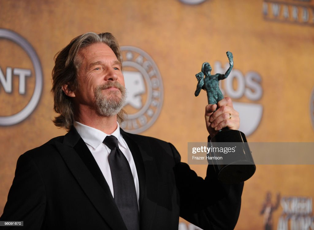 Actor <a gi-track='captionPersonalityLinkClicked' href=/galleries/search?phrase=Jeff+Bridges&family=editorial&specificpeople=201735 ng-click='$event.stopPropagation()'>Jeff Bridges</a> poses with the Male Actor In A Leading Role award for 'Crazy Heart' in the press room at the 16th Annual Screen Actors Guild Awards held at the Shrine Auditorium on January 23, 2010 in Los Angeles, California.