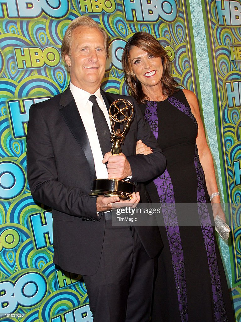 Actor Jeff Daniels (L) and <a gi-track='captionPersonalityLinkClicked' href=/galleries/search?phrase=Kathleen+Treado&family=editorial&specificpeople=2090099 ng-click='$event.stopPropagation()'>Kathleen Treado</a> attend HBO's official Emmy After Party at The Plaza at the Pacific Design Center on September 22, 2013 in Los Angeles, California.