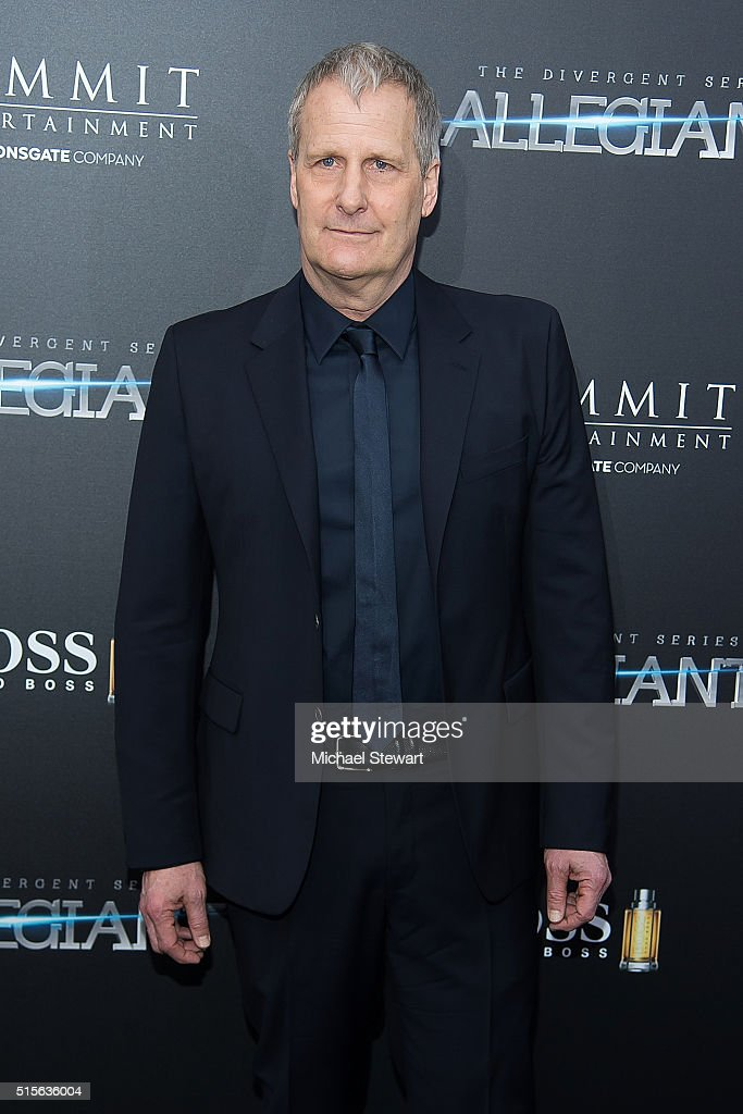 Actor Jeff Daniels attends the 'Allegiant' New York premiere at AMC Lincoln Square Theater on March 14, 2016 in New York City.