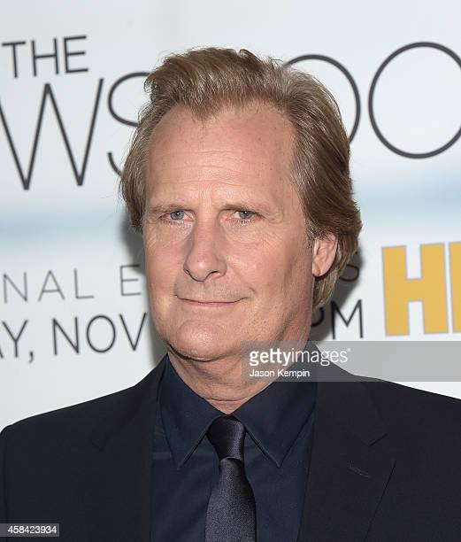 Actor Jeff Daniels attends the premiere of HBO's 'Newsroom' Season 3 at Directors Guild Of America on November 4 2014 in Los Angeles California