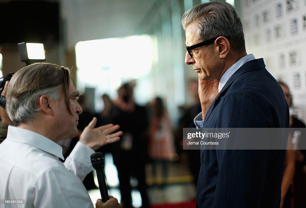 Actor <a gi-track='captionPersonalityLinkClicked' href=/galleries/search?phrase=Jeff+Goldblum&family=editorial&specificpeople=204160 ng-click='$event.stopPropagation()'>Jeff Goldblum</a> attends the 'Le Week-End' premiere during the 51st New York Film Festival at Alice Tully Hall at Lincoln Center on September 29, 2013 in New York City.