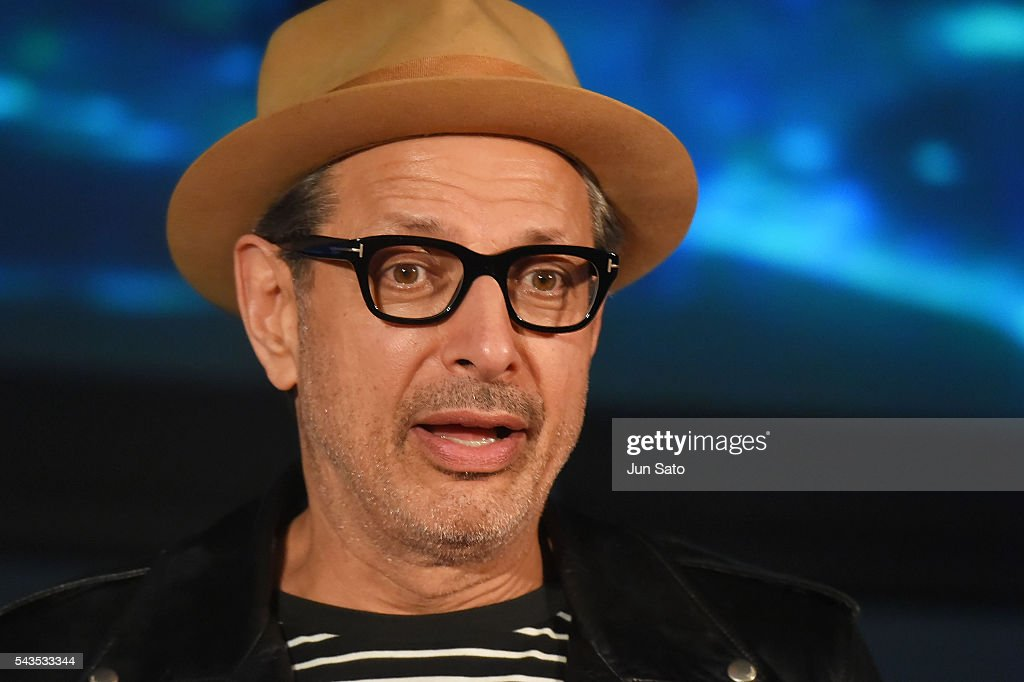 Actor <a gi-track='captionPersonalityLinkClicked' href=/galleries/search?phrase=Jeff+Goldblum&family=editorial&specificpeople=204160 ng-click='$event.stopPropagation()'>Jeff Goldblum</a> attends the press conference for 'Independence Day: Resurgence' at the Tokyo Skytree on June 29, 2016 in Tokyo, Japan.