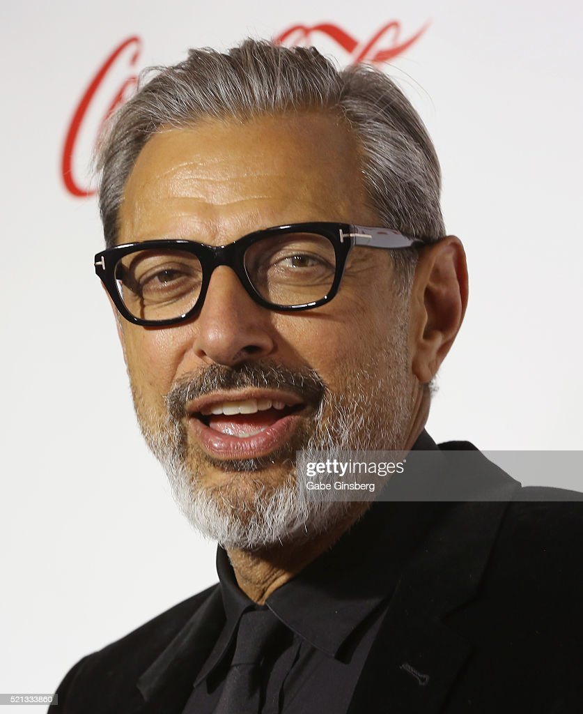 Actor Jeff Goldblum one of the recipients of the Ensemble of the Universe Award for 'Independence Day Resurgence' attends the CinemaCon Big Screen...