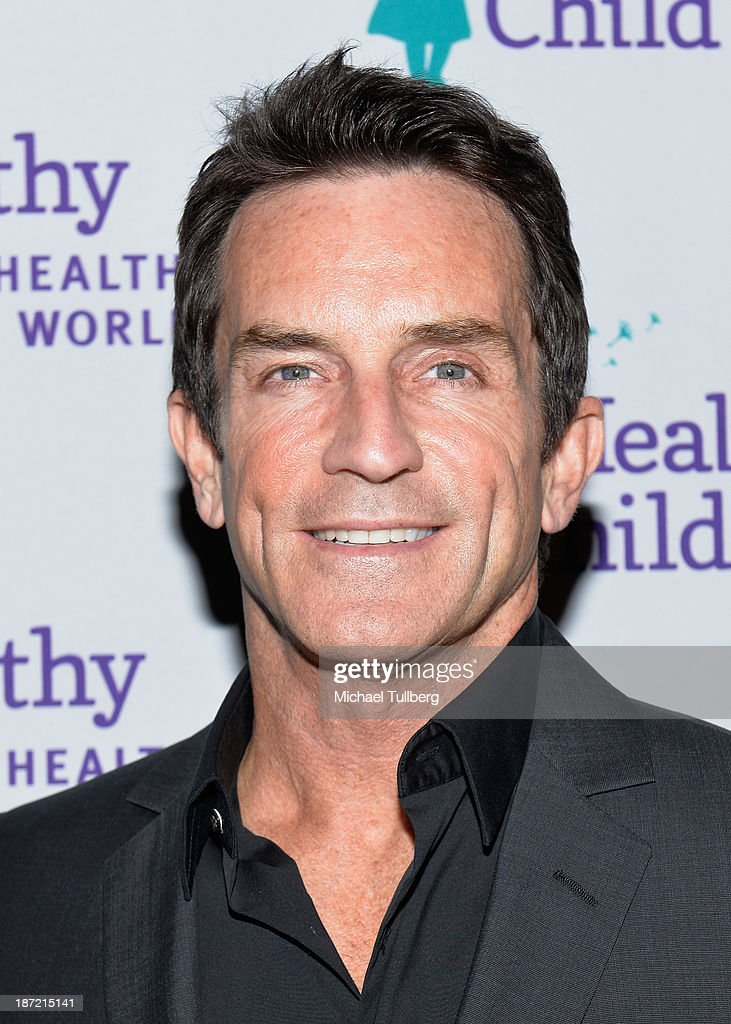 Actor <a gi-track='captionPersonalityLinkClicked' href=/galleries/search?phrase=Jeff+Probst&family=editorial&specificpeople=207025 ng-click='$event.stopPropagation()'>Jeff Probst</a> attends Mom On A Mission's 5th Annual Awards and Gala on November 6, 2013 in Pacific Palisades, California.