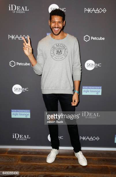 Actor Jeffrey BowyerChapman attends Kari Feinstein's PreOscar Style Lounge at the Andaz Hotel on February 24 2017 in Los Angeles California