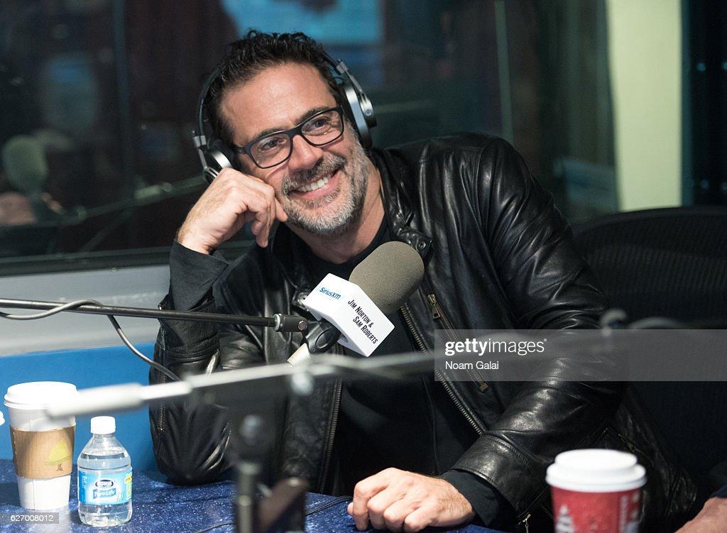 Actor Jeffrey Dean Morgan visits the SiriusXM Studio on December 1, 2016 in New York City.