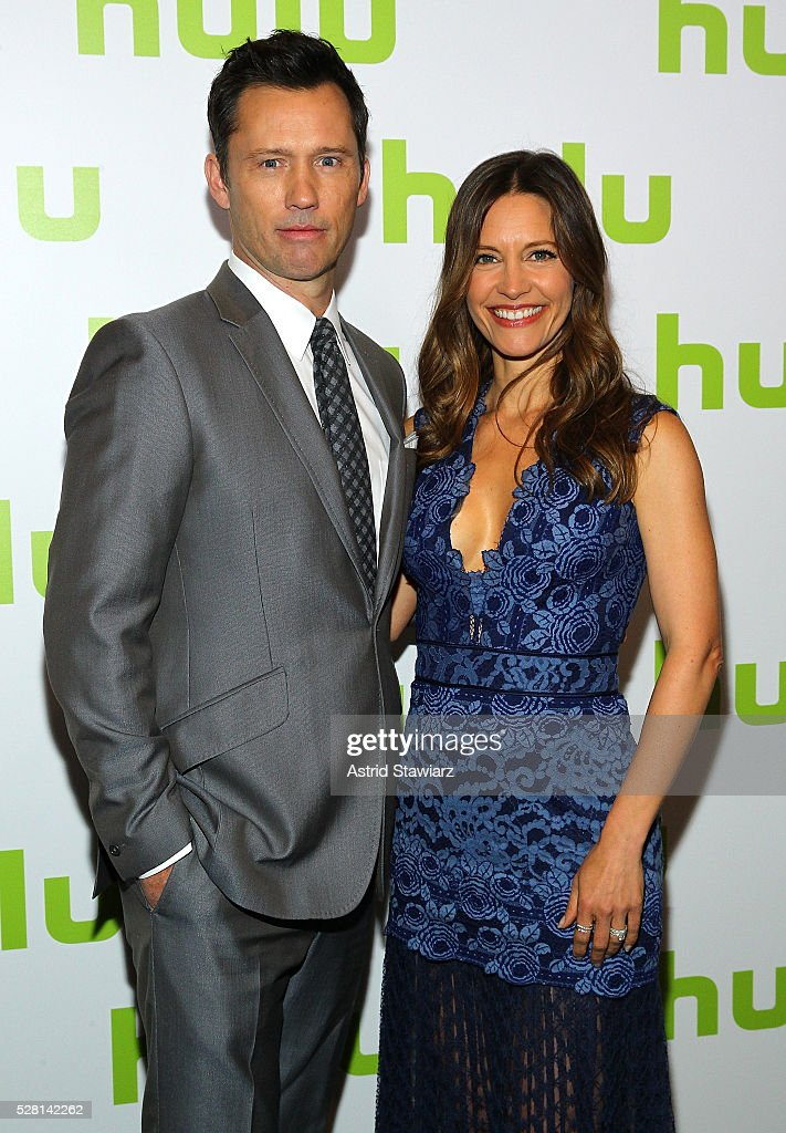 Actor <a gi-track='captionPersonalityLinkClicked' href=/galleries/search?phrase=Jeffrey+Donovan&family=editorial&specificpeople=767727 ng-click='$event.stopPropagation()'>Jeffrey Donovan</a> and Actress <a gi-track='captionPersonalityLinkClicked' href=/galleries/search?phrase=KaDee+Strickland&family=editorial&specificpeople=216381 ng-click='$event.stopPropagation()'>KaDee Strickland</a> attend the 2016 Hulu Upftont on May 04, 2016 in New York, New York.