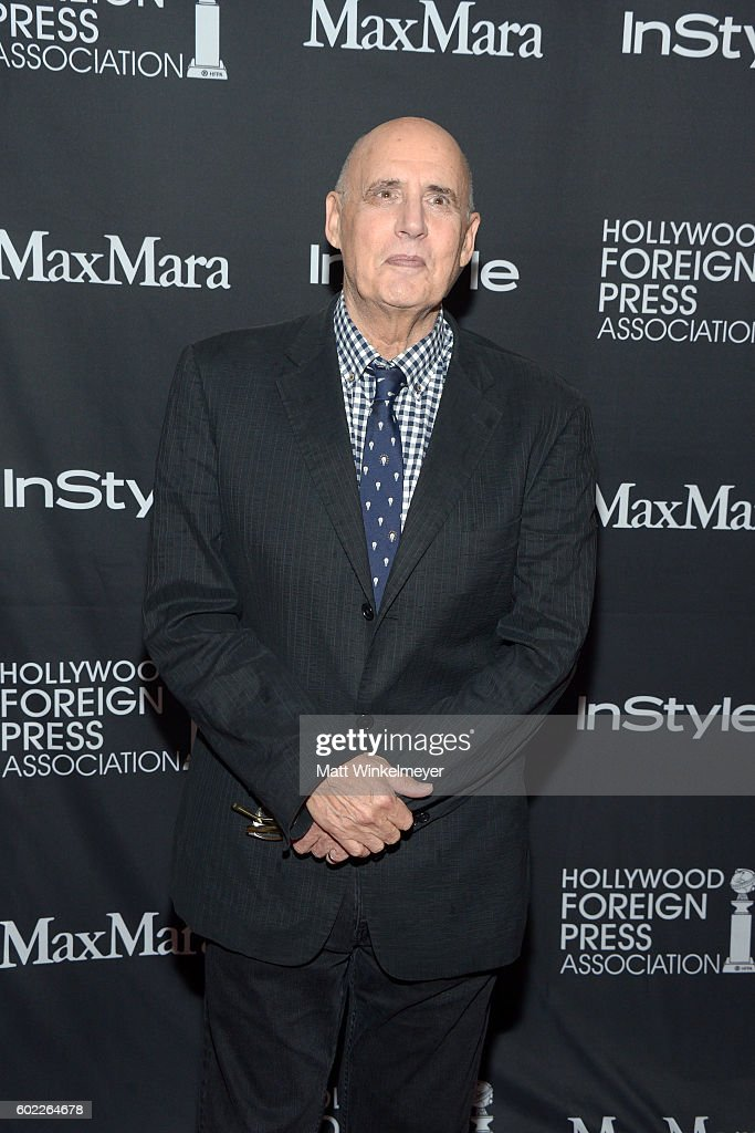 actor-jeffrey-tambor-attends-the-tiffinstylehfpa-party-during-the-picture-id602264678