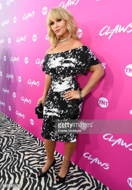 Actor Jenn Lyon attends the premiere of TNT's 'Claws' at Harmony Gold Theatre on June 1 2017 in Los Angeles California 27059_001