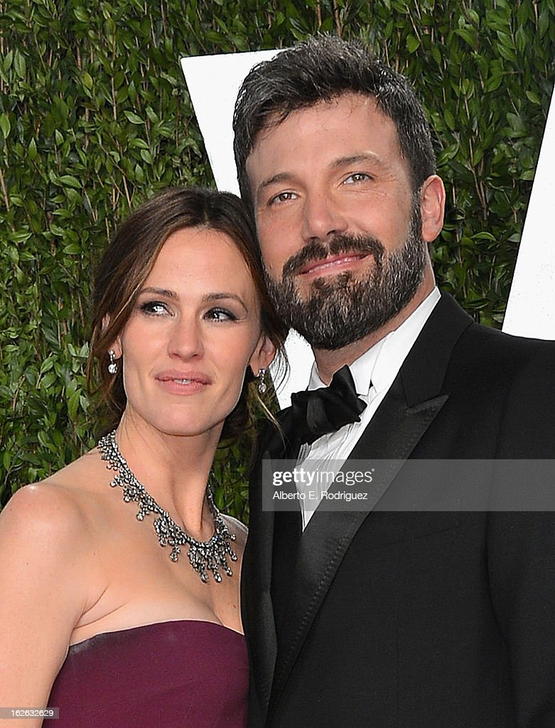 Actor <a gi-track='captionPersonalityLinkClicked' href=/galleries/search?phrase=Jennifer+Garner&family=editorial&specificpeople=201813 ng-click='$event.stopPropagation()'>Jennifer Garner</a> and director <a gi-track='captionPersonalityLinkClicked' href=/galleries/search?phrase=Ben+Affleck&family=editorial&specificpeople=201856 ng-click='$event.stopPropagation()'>Ben Affleck</a> arrive at the 2013 Vanity Fair Oscar Party hosted by Graydon Carter at Sunset Tower on February 24, 2013 in West Hollywood, California.