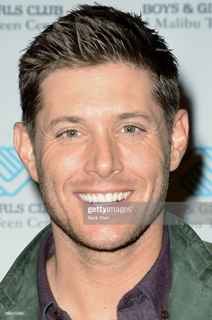 Actor <a gi-track='captionPersonalityLinkClicked' href=/galleries/search?phrase=Jensen+Ackles&family=editorial&specificpeople=631161 ng-click='$event.stopPropagation()'>Jensen Ackles</a> arrives at the Malibu Boys And Girls Club Fundraiser to introduce the 2013 BGCM Youth of the Year on October 19, 2013 in Malibu, California.