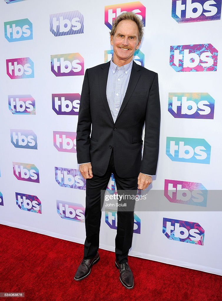 Actor Jere Burns attends TBS Night Out LA at The Theater at The Ace Hotel on May 24 2016 in Los Angeles California 26162_001