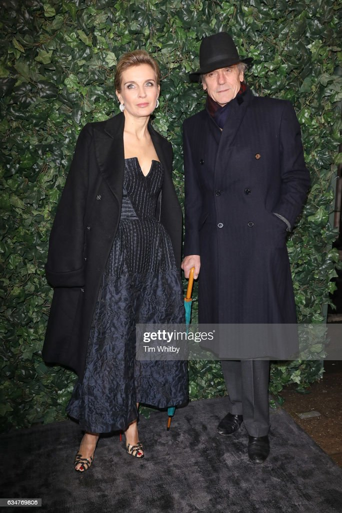 actor-jeremy-irons-and-guest-attend-a-pre-bafta-party-hosted-by-and-picture-id634769806