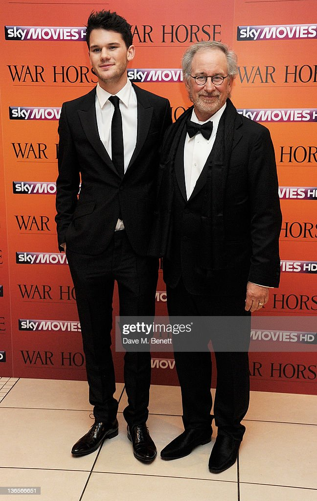 Actor Jeremy Irvine (L) and director <a gi-track='captionPersonalityLinkClicked' href=/galleries/search?phrase=Steven+Spielberg&family=editorial&specificpeople=202022 ng-click='$event.stopPropagation()'>Steven Spielberg</a> arrive at the UK Premiere of 'War Horse' at Odeon Leicester Square on January 8, 2012 in London, England.