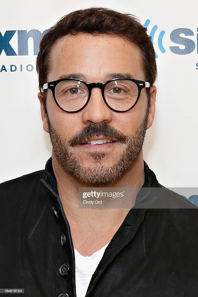 Actor Jeremy Piven visits the SiriusXM Studios on March 28, 2013 in New York City.